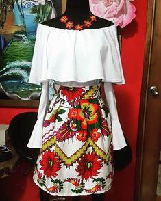 Autistela Salas #fashion #glamour #Vestidos #vestidosestilizados #panama #paruma #etnicos #embera #models #modelos #designer #diseños #cute #outfit #estampados #faldas #blusas Mexican Fashion, Mexican Outfit, Mexican Dresses, Charro Outfit, Traditional Mexican Dress, Western Dresses, Beachwear For Women, Embroidery Dress, Mom Style