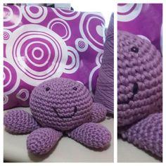 Pulpo sonajero lila - crochet