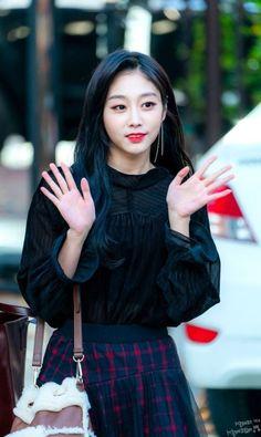 Lovelyz - Jisoo G Friend, Skater Skirt, Idol, Target, Celebrities, Skirts, People, Fashion, Templates