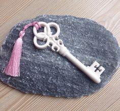 Kokulu taş anahtar
