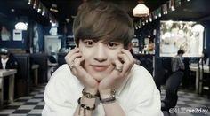Chanyeol 'dating alone'. He is so handsome♥ Chanyeol Cute, Chanyeol Baekhyun, Kpop Exo, Exo K, Boys Girl Friend, Ko Ko Bop, Exo Official, Chansoo, You Are Cute