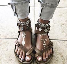 New moda boho chic bohemian fashion boots 49 Ideas Bohemian Mode, Boho Gypsy, Hippie Boho, Bohemian Style, Bohemian Jewelry, Bohemian Fashion, Gypsy Style, Hippie Style Hair, Boho Fashion Summer