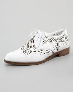 66c04564282e Sergio Rossi - Perforated Lace-Up Oxford Lace Oxfords