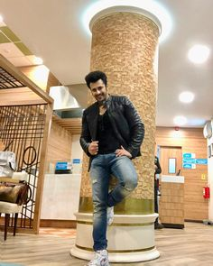 Airport Look, Baby Pearls, Sweet Couple, Cute Images, Handsome, Poses, Atif Aslam, Pvp, Wallpaper