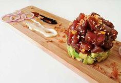 aziatisch-tonijntartaartje-met-avocado Diner Recipes, Asian Recipes, Healthy Recipes, Avocado Recipes, Food Porn, Good Food, Yummy Food, Xmas Food, International Recipes