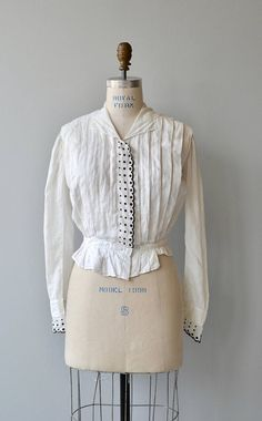 Discover recipes, home ideas, style inspiration and other ideas to try. White Cotton Blouse, Cotton Blouses, Vintage Dresses, Vintage Outfits, Vintage Fashion, Corsage, Gibson Girl, My Fair Lady, Period Outfit