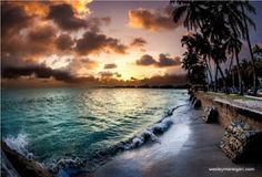 I wanna be there right now!!! I love sunsets!