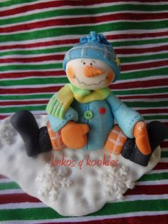 *SORRY, no information as to product used ~ Kekos & Kookies: Christmas Dolls Christmas Craft Projects, Clay Projects, Clay Crafts, Christmas Ideas, Clay Ornaments, Ornament Crafts, Holiday Ornaments, Christmas Pasta, Polymer Clay Christmas