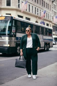 Historically, mainstream NYFW street style galleries almost exclusively feature thin women. This season, InStyle wanted to change that and dedicate our entire street style gallery to plus-size women instead. Trendy Plus Size Fashion, Stylish Plus, Curvy Fashion, Womens Fashion, Fashion Hats, Fashion Night, Fashion Ideas, Fashion Dresses, Plus Size Clothing Stores