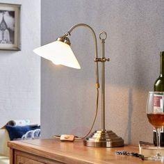 Lámpara de mesa Otis clásica en latón envejecido