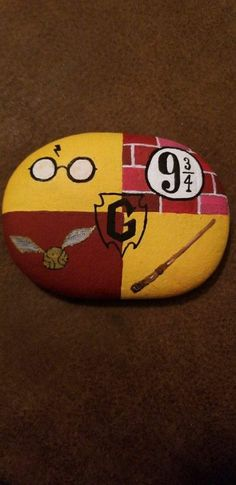 Painting Rocks Kids Harry Potter 67 New Ideas Painting Rocks Kids Harry Potter 67 New Ideas Pintura Do Harry Potter, Harry Potter Painting, Harry Potter Drawings, Rock Painting Patterns, Rock Painting Ideas Easy, Rock Painting Designs, Rock Painting Kids, Art Patterns, Pebble Painting