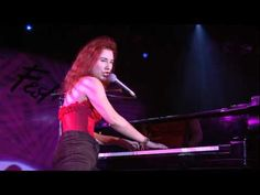 Tori Amos ~ Little Earthquakes (Live At Montreux 1992)