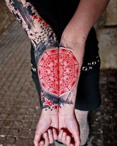 Best Body - Tattoo's - Fractal Tattoo half on your arm half on mine?