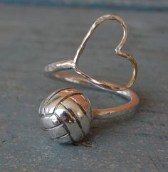 Volleyball Heart RingI jewelry heart ring volleyball