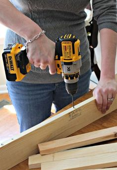 how to build picture ledges, diy, how to, wall decor, woodworking projects Picture Frame Display, Picture Ledge, Picture Frames, Wood Projects, Woodworking Projects, Projects To Try, Diy Wall Art, Wall Decor, How To Make Diy
