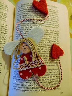 sanagrillia: ANGELI CUSTODI DELLA LETTURA Christmas Decorations, Christmas Ornaments, Holiday Decor, Mother's Day Activities, Angel Crafts, Book Markers, Ideas Para Fiestas, Needle Felting, Pixel Art
