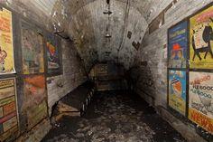 ロンドンの地下に眠る地下鉄の廃駅ポスター - DDN JAPAN