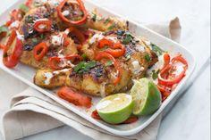 La cosce di pollo infuocate sono perfette per chi adora servire un secondo piatto originale e dai sapori decisi per conquistare gli amici con gusto!