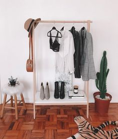 Second Hand Clothes, Foto E Video, Room Inspiration, Wardrobe Rack, Boutique, Boho, Pillows, Studio, Instagram