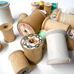 Vintage 21 pc wooden spools sewing thread J & P coats coats #Vintage 21 pc #wooden #spools #sewing #thread #J&P #coats coats and #clark #thread #home #crafts #etsy #studio