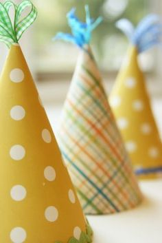 diy party hats - love the ribbon tassel