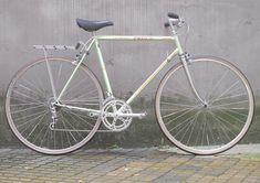 Peugeot custom vintage bike - reanimated-bikes Peugeot, Vintage Bicycles, Custom Bikes, Bicycles, Biking, Trial Bike, Custom Motorcycles, Custom Bobber, Vintage Bikes