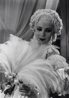 Dolores Del Río en Madame Du Barry