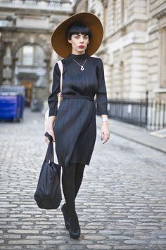 Statement hat. Modern bob, retro dress. So London, so chic and feminine.