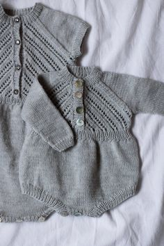 f09abd4e7 Ravelry  Top down Cardigan with Onesie by OGE Knitwear Designs
