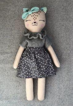 Ambrosial Make a Stuffed Animal Ideas. Fantasting Make a Stuffed Animal Ideas. Sock Dolls, Felt Dolls, Baby Dolls, Doll Toys, Sewing Stuffed Animals, Stuffed Animal Cat, Fabric Animals, Plush Animals, Felt Doll Patterns