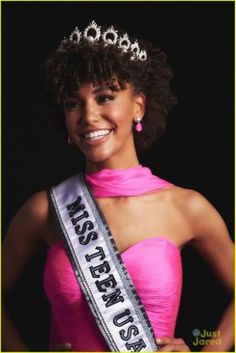 Kaliegh Garris Crowned Miss Teen USA 2019 While Wearing Her Natural Curls Miss Teen Usa, Miss Usa, Miss North Dakota, Miss Connecticut, Voluminous Curls, Tight Curls, Brown Skin Girls, Miss America, Long Locks