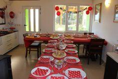 Minnie Polka Dot tematski 1. rođendan - dekoracija stola