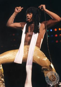 Rick James by Mark Weiss: Born February 1948 Buffalo, New York, U. Died August 2004 (aged Los Angeles, California, U. Music Icon, Soul Music, Music Life, Funk Bands, Rick James, Play That Funky Music, Vintage Black Glamour, Old School Music, Soul Singers