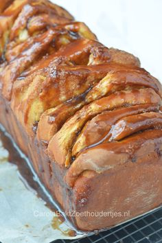 Sticky pull apart brood met kaneel en karamel - Carola Bakt Zoethoudertjes