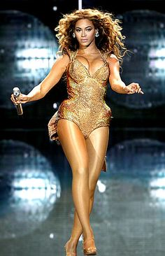July13, 2009 I AM TOUR Beyonce in the best shape of her life. Beyonce golden legs are always fierce! I would love to know the seret to those golden legs! What kind of sheer panty hose do she use!