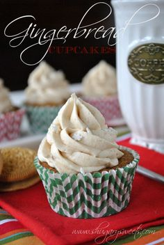 Gingerbread Cupcakes - sweet gingerbread cupcakes with crushed #gingerbread #oreos from www.shugarysweets.com #recipe