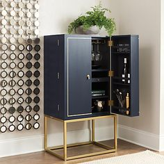 Entertain in style with home bar furniture and bar carts from Ballard Designs. Find the perfect bar cabinets, bar carts and bar shelves today! Bar Furniture For Sale, Home Bar Furniture, Cabinet Furniture, Furniture Design, Furniture Ideas, Diy Home Bar, Diy Bar, Bars For Home, Bandeja Bar
