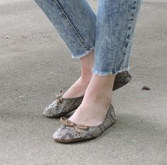 Cool soothing earth tones in these snakeskin textured foldable flats make them great for everyday casual wear. Ballerina Shoes, Ballet Flats, Foldable Flats, Flat Sandals, Casual Wear, Snake, Slippers, Clouds, Pairs