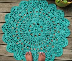 "Turquoise Patio Porch Cord Crochet Rug in Pineapple Pattern - I love these ""doily rugs""! All you need is the perfect doily pattern and the right yarn. Crochet Home, Love Crochet, Crochet Crafts, Crochet Doilies, Yarn Crafts, Crochet Projects, Knit Crochet, Diy Crafts, Crochet Carpet"
