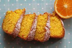 Garantimos que este bolo é capaz de fazer salivar a pessoa menos gulosa.... é uma delicia! Para uma média de 14 fatias: - 1 laranja inte...