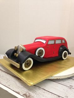 Rolls Royce cake Bus Cake, Car Cakes, 70th Birthday, Birthday Ideas, 1920s Car, Food Artists, Occasion Cakes, Decorated Cakes, Cupcake Cookies