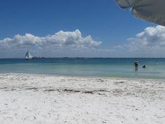 Strand, weißer Sand - Ruhe!