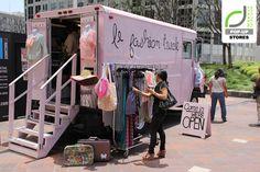 le fashion truck boutique women& fashion on wheels - Boutique Fashion, A Boutique, Boutique Clothing, Retail Boutique, Boutique Interior, Design Blog, Store Design, Food Design, Design Design