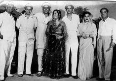 Marriage Movies, Old Bollywood Movies, Sunil Dutt, Shammi Kapoor, Rajesh Khanna, Living Legends, Indian Celebrities, Rare Photos, Anniversary