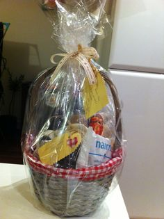 celophane? Christmas Hamper, Christmas Gifts, Hampers, Giving, Clever, Hunting, Projects, Crafts, Decor