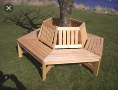 Bench around a tree Outdoor Chairs, Outdoor Furniture, Outdoor Decor, Home Projects, Projects To Try, Picnic Table, New Homes, Bench, Yard