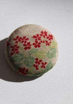 In the name of mottainai - to waste not -is this handmade, gorgeous floral vintage silk kimono brooch Silk Kimono, Hair Ornaments, Badge, Japanese Things, Textiles, Brooch, Japanese Kimono, Vintage Japanese, Invites