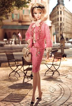 Preferably Pink™ Barbie® Doll .Tailleur Chanel