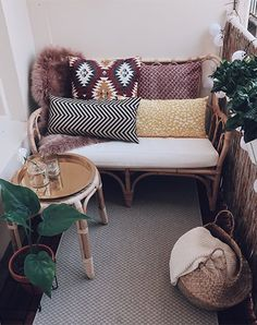 Balkon-Make-over-Grid-House Hut-IKEA-Living Inspiration – Edith de Vries - All About Balcony Room Inspiration, Interior Inspiration, Small Outdoor Spaces, Interior Decorating, Interior Design, Trendy Home, Home And Living, Decoration, Love Seat