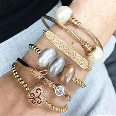 Set By Vila Veloni Collection Gold Rose And Pearl Bracelets